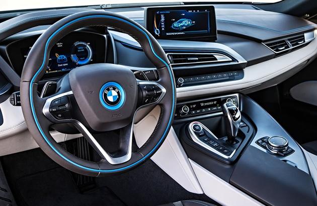 BMW i8 İç Görünüm